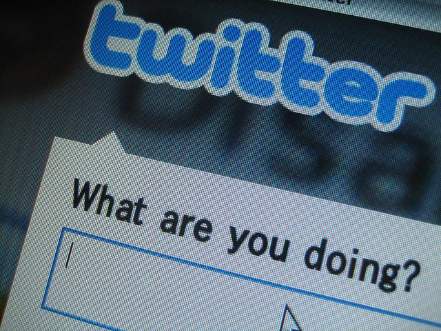 Computer screen showing Twitter